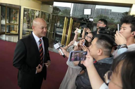 刘Sir抵达北京 称来到北京感觉很兴奋