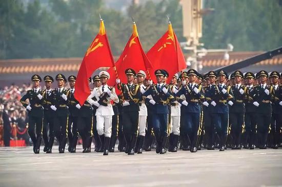 那是止进中的仪仗圆队。新华社记者 王毓国 摄