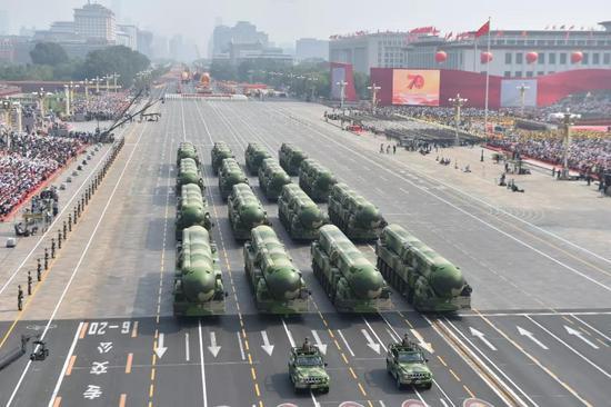 那是春风-41核导弹圆队。新华社记者 缓昱 摄
