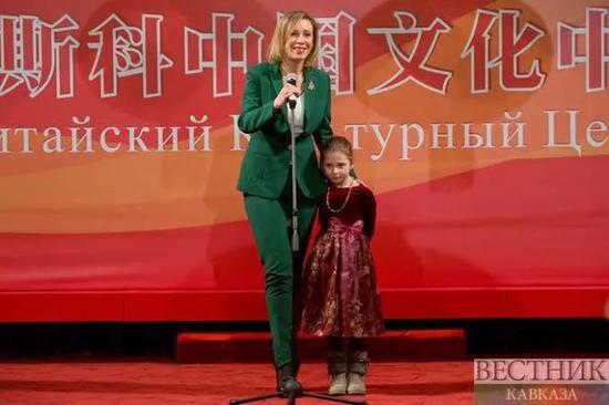 扎哈羅娃參加莫斯科中國文化節。