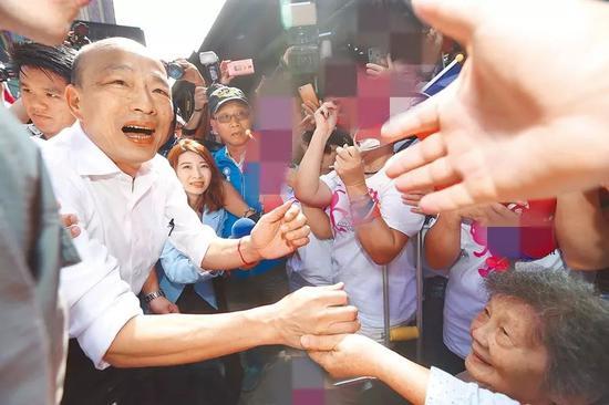 美性中文真人娱乐手机版_三只松鼠吃到上市以来首个跌停 连续两天遭遇机构出货