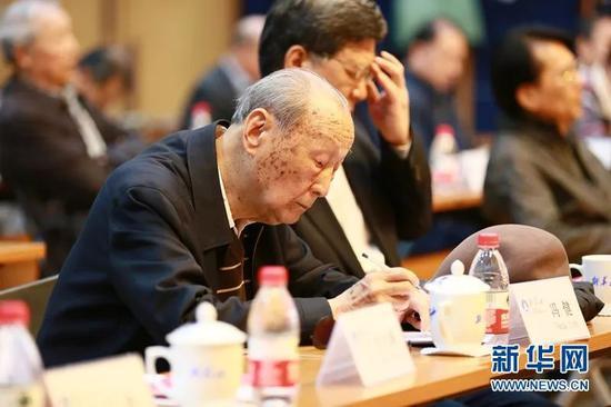 988网投平台_百利电气资金缺口近2亿 仍溢价151%收购