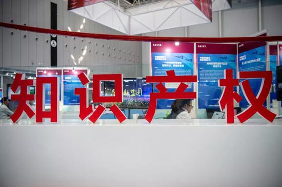 云彩娱乐平台怎么取消·上海新闻界庆祝第二十届中国记者节大会举行 深情讲述新闻背后故事