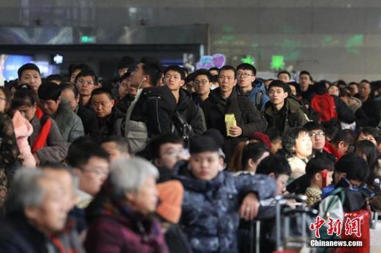 北京铁路局:将对武汉地区到达管内旅客测体温图片