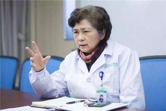 """李兰娟力推抗新冠病毒药物,却被指帮儿子""""卖药"""",真相是什么?"""