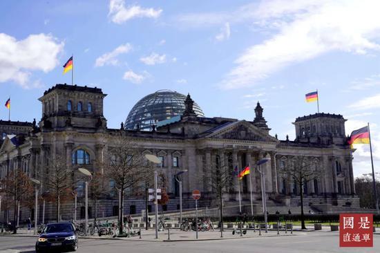 3月11日,作为柏林主要地标,国会大厦著名的玻璃穹顶已于一天前停止向游客开放。中新社记者 彭大伟 摄