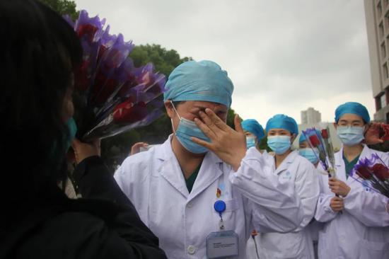 疫区手记:在武汉 我和138个医生护士度过了65天图片