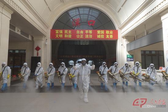 汉口火车站封闭58天后周全消毒