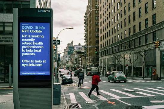 新冠疫情下的曼哈顿街头。/图虫创意