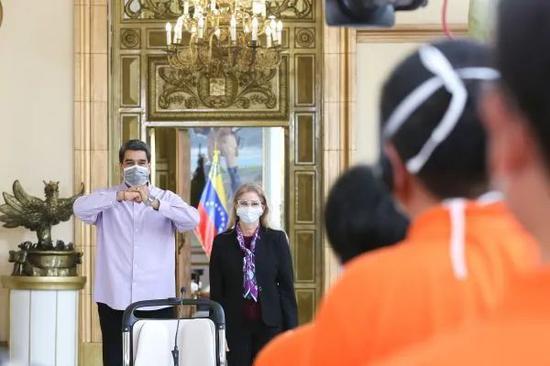 ▲新华社发(委内瑞拉总统府供图)