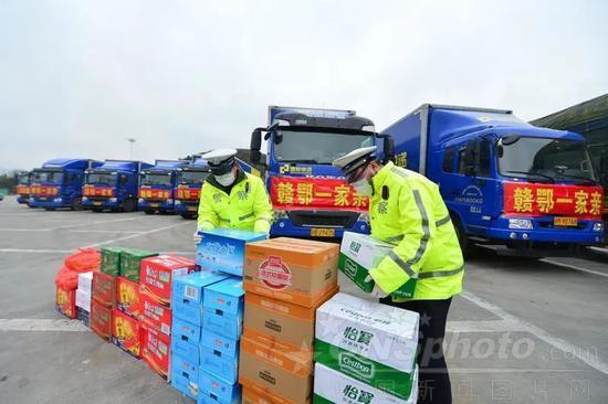 摩天注册,一摩天注册订单井喷中国经济暖起图片