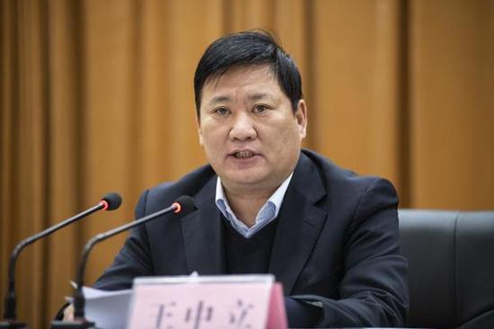 天下人大代表、郑州市教诲局局长王中立