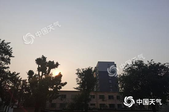 防风带伞!今天北京将有全市性雷雨天气 阵风达7级图片