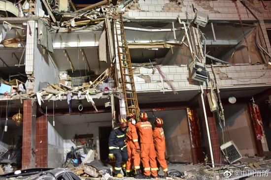 浙江温岭爆炸450多名消防员正在现场救援 已搜救出12人图片