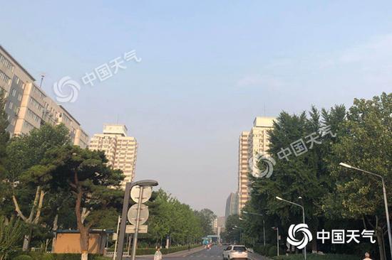 北京今天雷阵雨来袭 风力较大阵风可达7级图片
