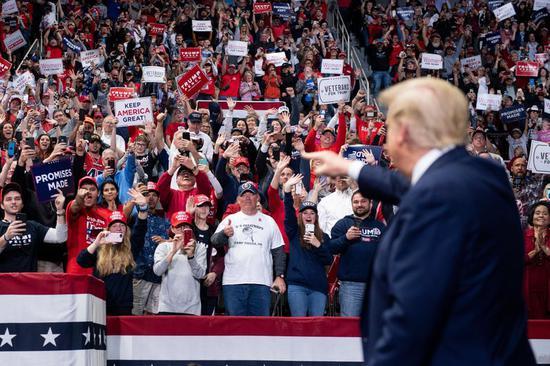 图为美国总统特朗普于3月举行的政治集会现场。(Getty资料图)