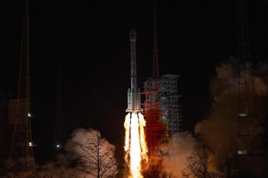 ▲2020年3月9日19时55分,我国在西昌卫星发射中央用长征三号乙运载火箭,乐成发射   北斗。。。体系第54颗导航卫星。