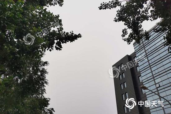 「摩天开户」京有雷阵雨相伴外摩天开户出记得带伞图片