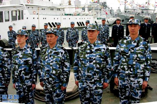 穿着海洋迷彩作训服的海军预备役部队。