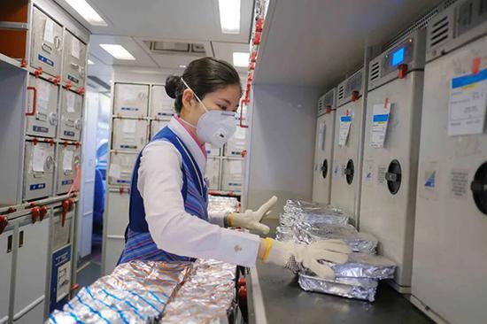 南航规复部门海内航线机上热食配备