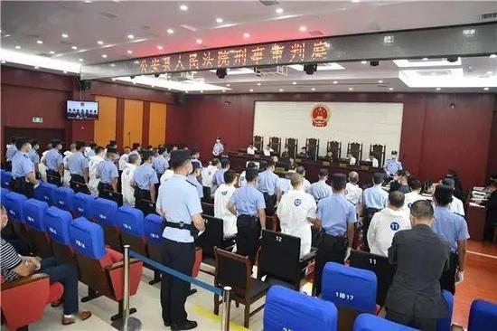 ·8月11日,湖北公安县人民法院公开审理龚道鑫案。