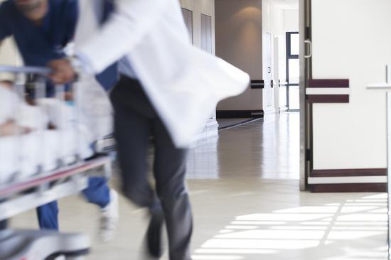 6人偷渡入境,一确诊者曾多次外出!200名医护连夜驰援瑞丽图片