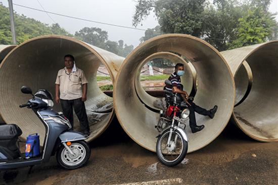 印度城市失业率从7月份的9.15%上升至8月份的9.83%,这表明城市地区每10人中就有1人找不到工作。图|IC photo