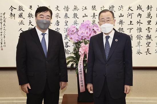 联合国前秘书长潘基文祝贺中国国庆71周年图片