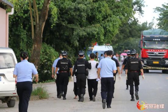 云南瑞丽:运送杨佐某等偷越国境的犯罪嫌疑人抓到了!图片