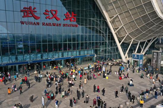 """""""疫考""""下的黄金周愈显中国经济韧性与活力图片"""