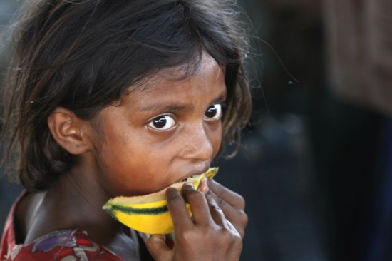 印媒:大批印度儿童疫情期间遭拐卖 童婚、虐待猖獗
