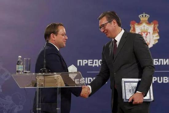 武契奇硬杠欧盟和美国 就要和中国做朋友!图片