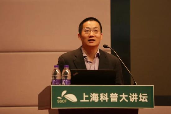 上海市免疫学研究所研究员李斌介绍国内外新冠疫苗进展情况