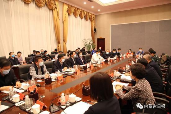 内蒙古自治区主席布小林在满洲里市调研疫情防控工作图片