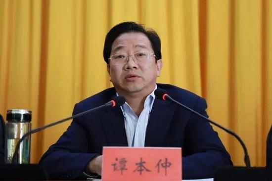 """这个落马县委书记为何被叫做""""谭包头""""?图片"""