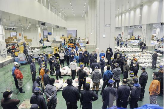 日本最大水产市场暴发疫情:160人确诊 仍正常营业