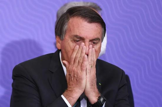 博索纳罗:巴西破产了