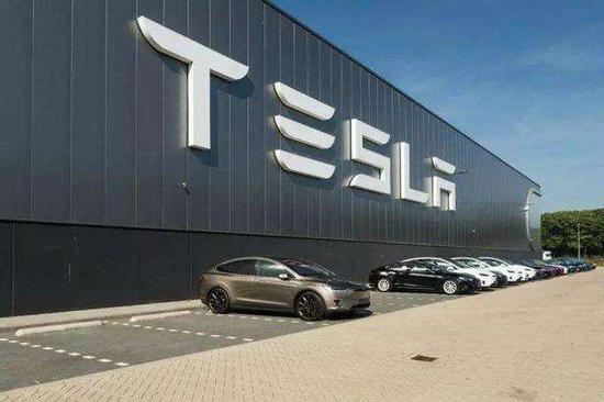 马斯克:上海工厂每周生产超过5000辆Model 3