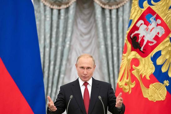 普京:俄罗斯陆海军随时准备应对最艰巨挑战