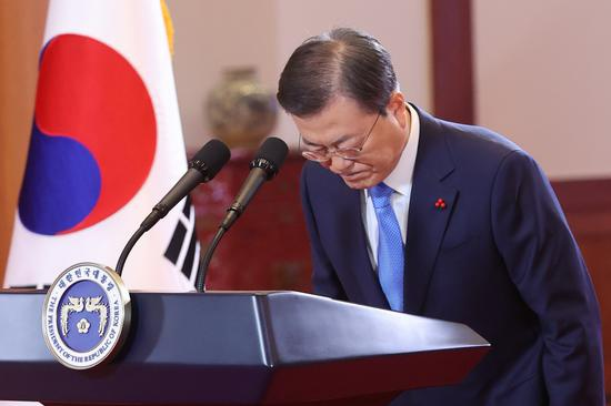 文在寅感慨:女性平等 韩国的情况令人羞愧