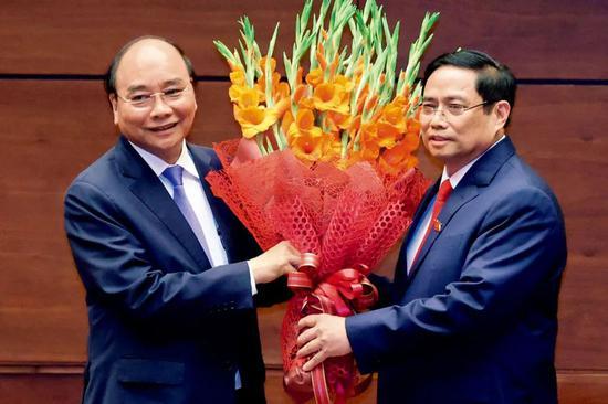 """越南新领导层 回归""""四驾马车""""格局"""