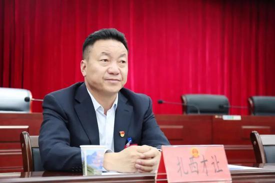 青海玉树州副州长、玉树市长扎西才让,调任黄南州州长图片