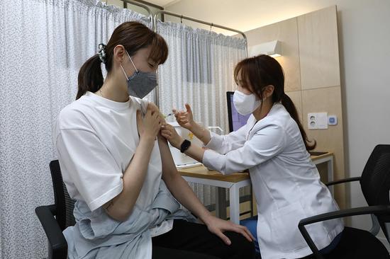 韩国报告首例阿斯利康新冠疫苗引起的血栓病例