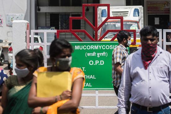 印度老人新冠康复后担心感染毛霉菌 吞食农药自杀