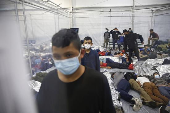 美得州终止与白宫收容合同 或将驱逐数千移民儿童