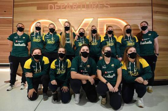 东京奥运会首支外洋活动员步队澳大利亚女垒队已抵达日本 图源:视觉中国