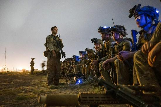 美军在阿富汗的20年,就是一本活教材
