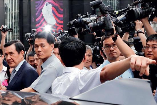 中国新闻周刊:马英九的危机是国民党的转机吗?