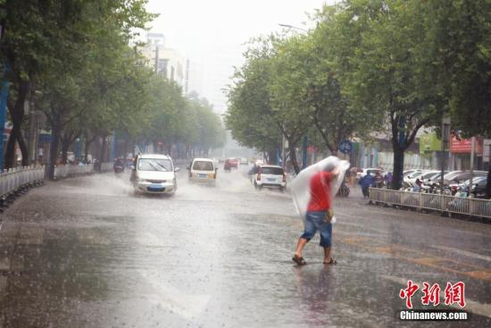 中央气象台:冷空气将袭中国北方 局地降温逾10℃