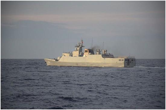 (中国军舰 图源:菲律宾海岸警卫队提供)